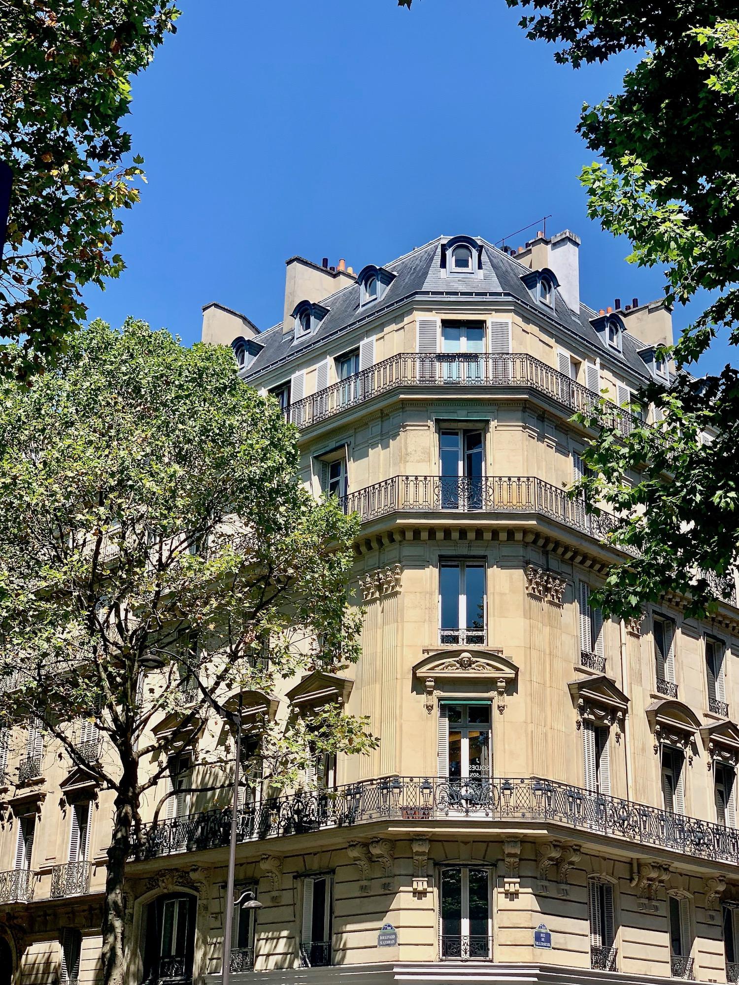 Boulevard Saint Germain Building