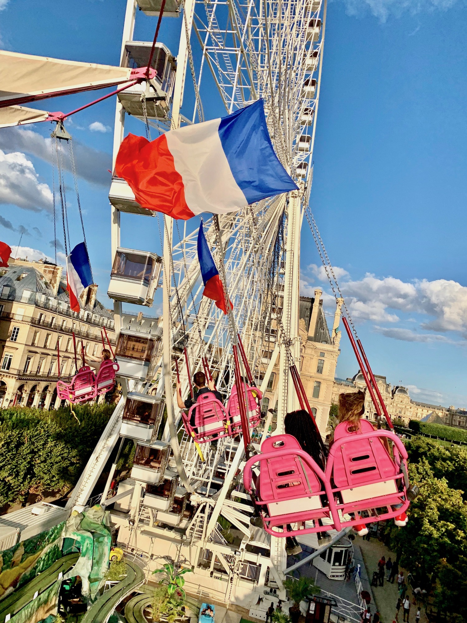 Fete des Tuileries Swing