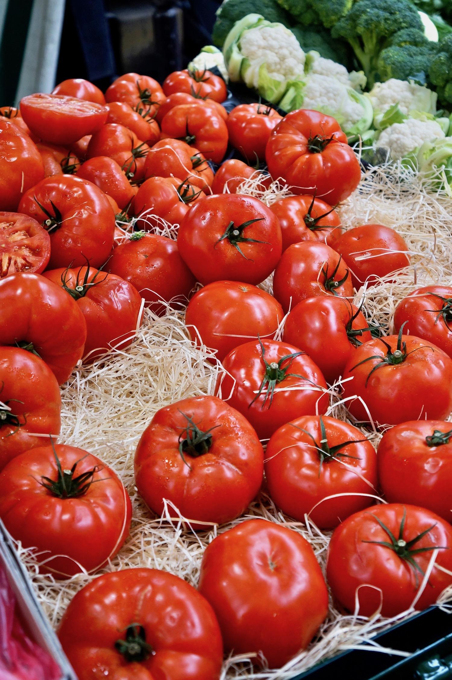 Marché Raspail Tomatoes