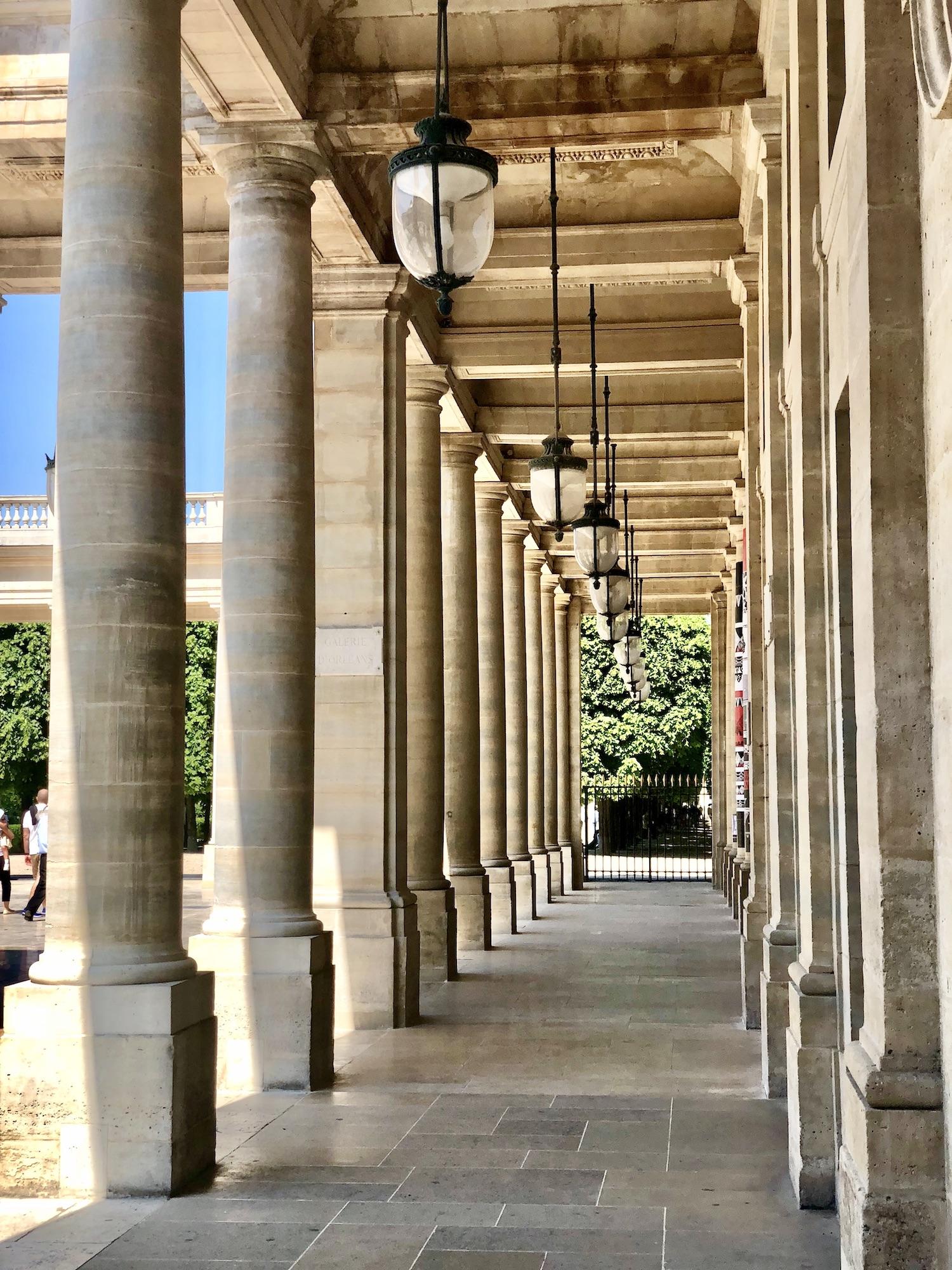 how to avoid jet lag - take a walk at palais royal