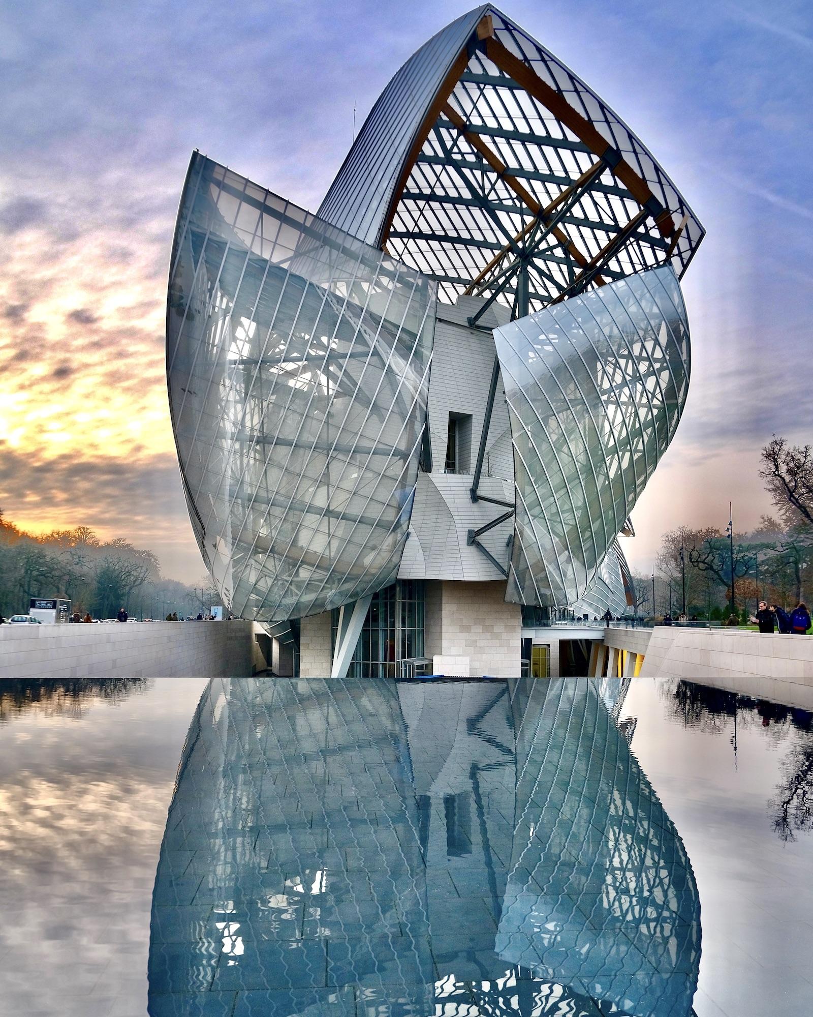 Fondation Louis Vuitton Reflection