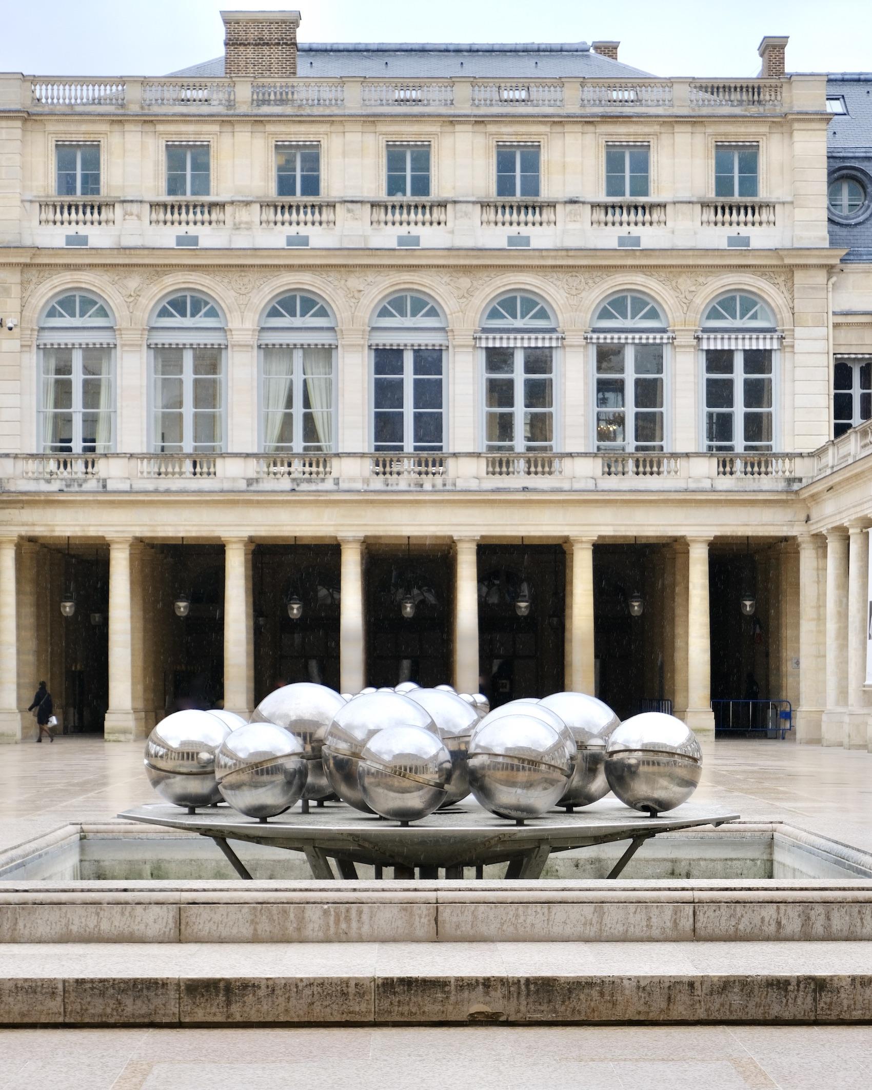 Pol Bury Sphérades Paris Walk through Palais Royal