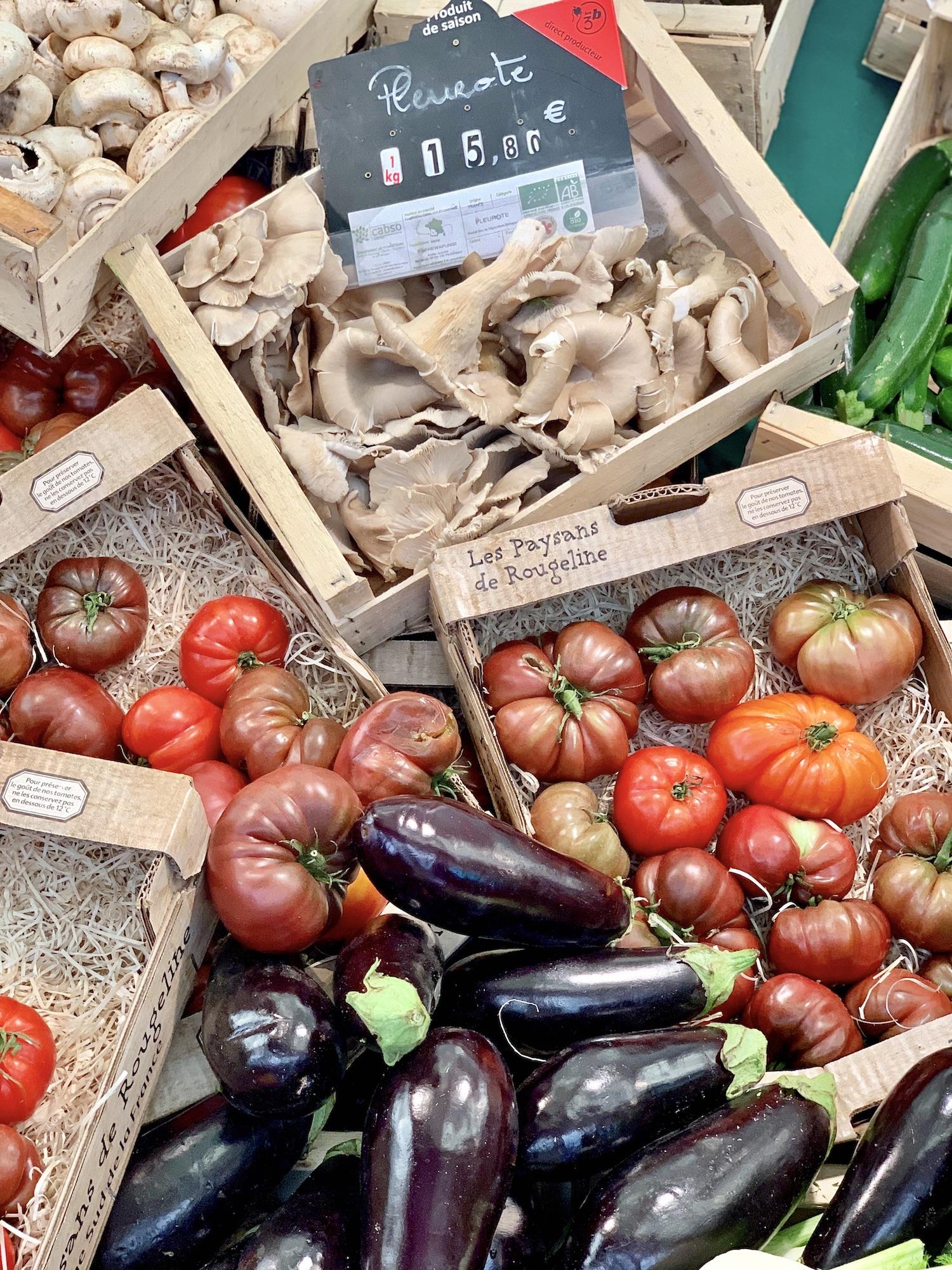 Organic marché Raspail produce