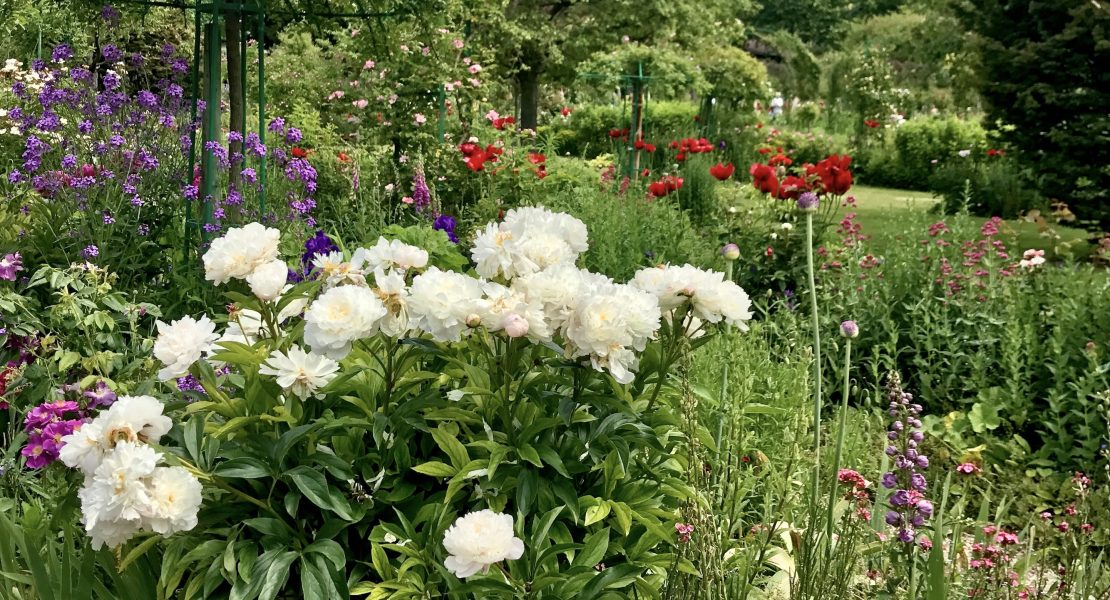 Day Trip from Paris to Giverny Featured