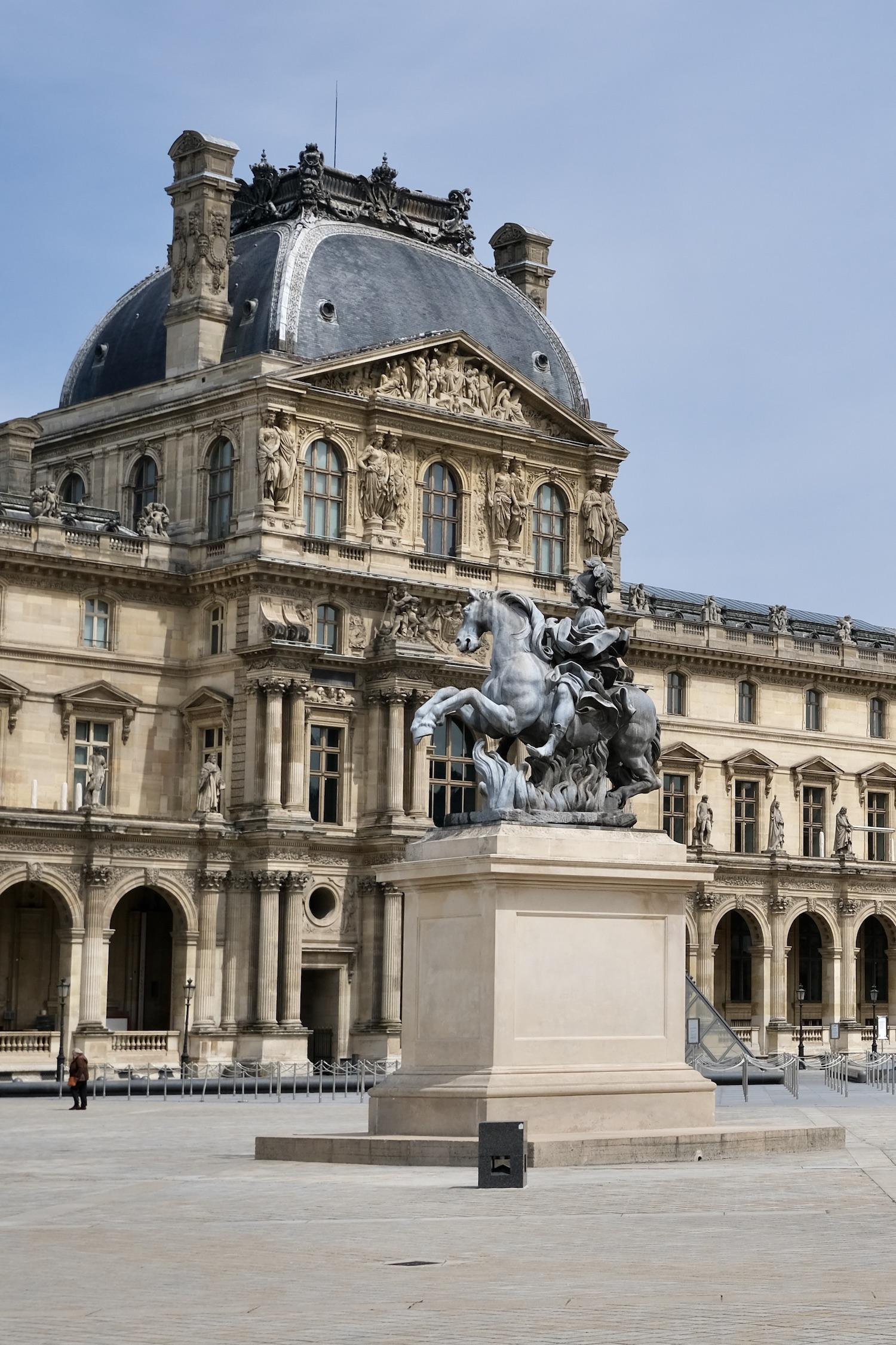 Post-Confinement Paris Empty Louvre