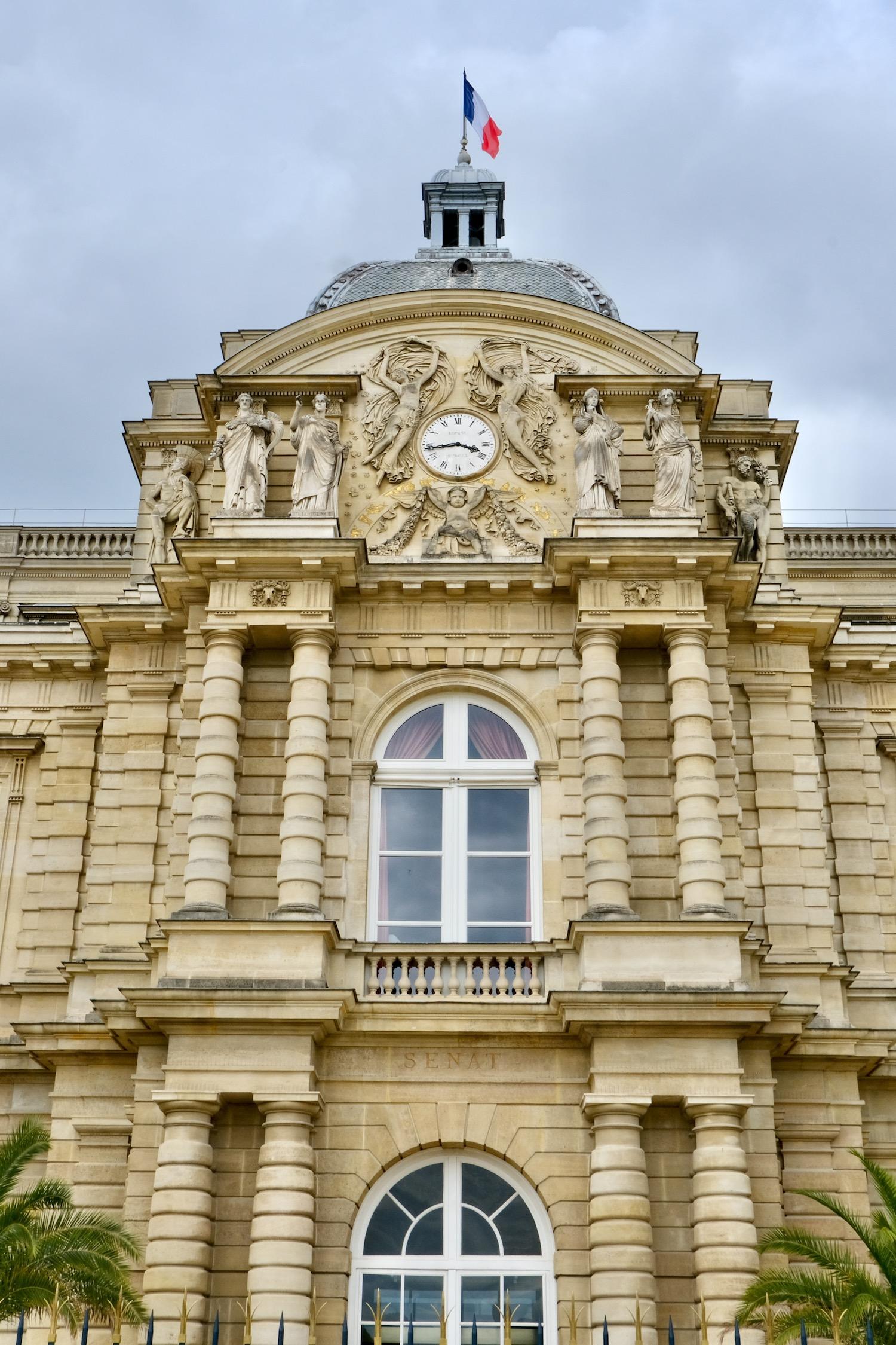 Senat Clock Jardin du Luxembourg