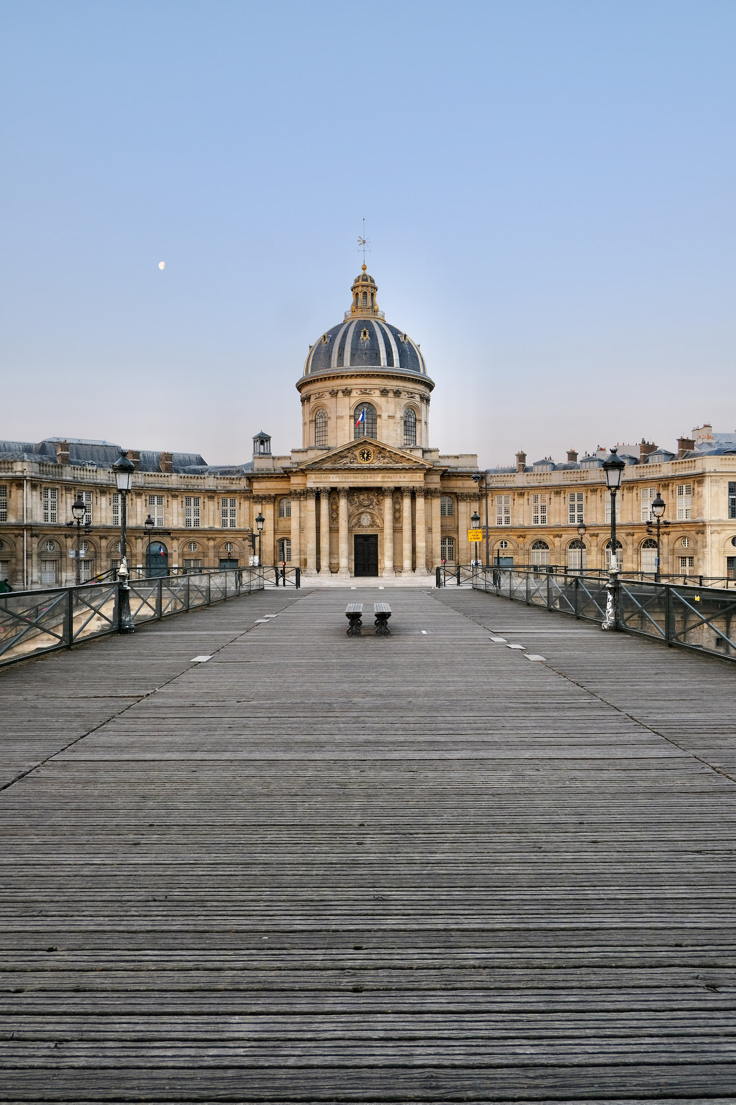 Weekend Links Week One Pont des Arts