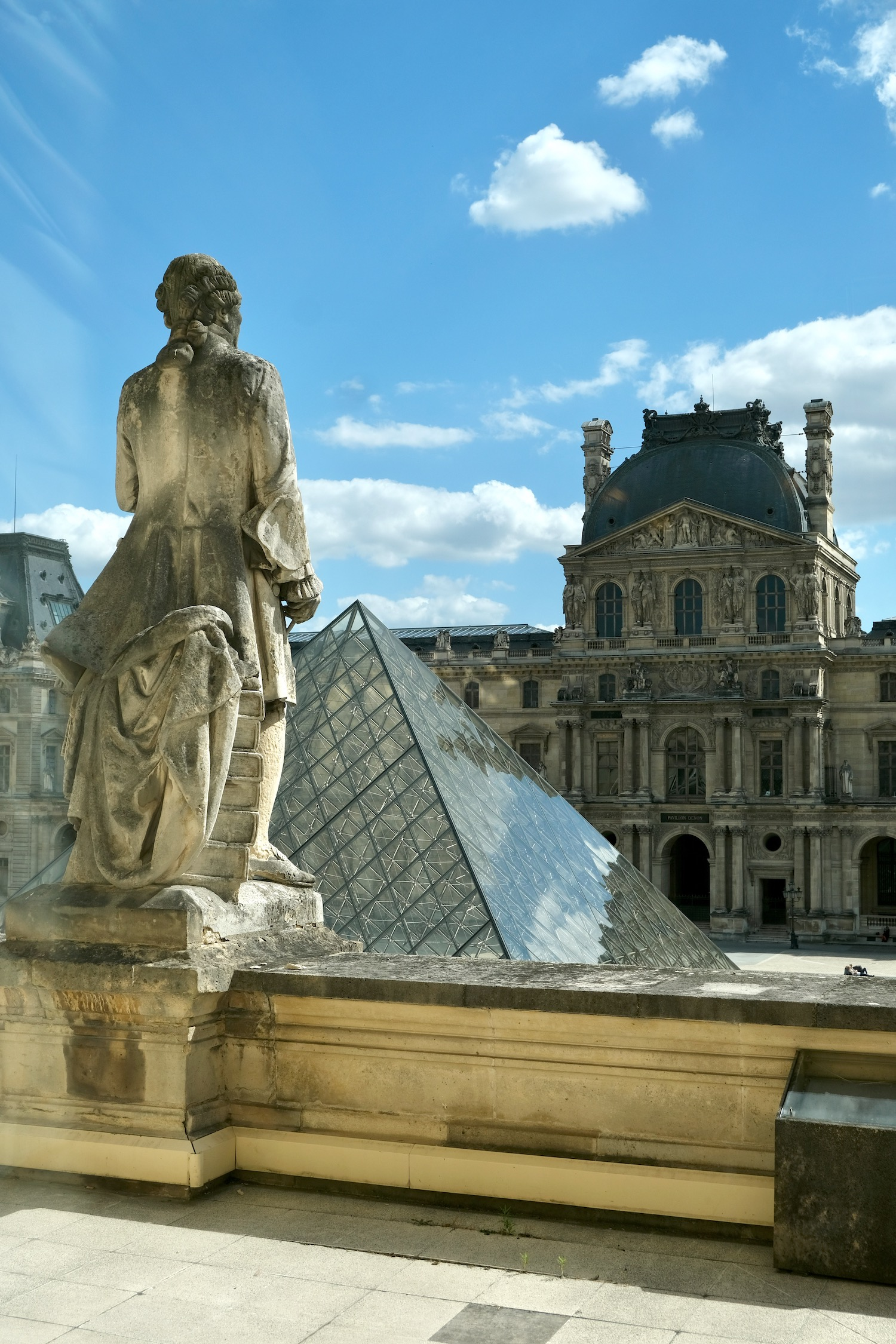 Five Friday Finds from France Musée du Louvre with Unsolved Mysteries French episode and the best hot chicken sandwich in Paris