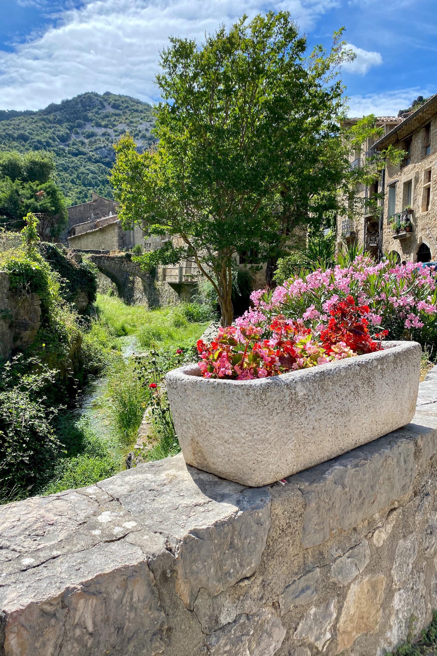 Saint-Guilhem-le-Désert village