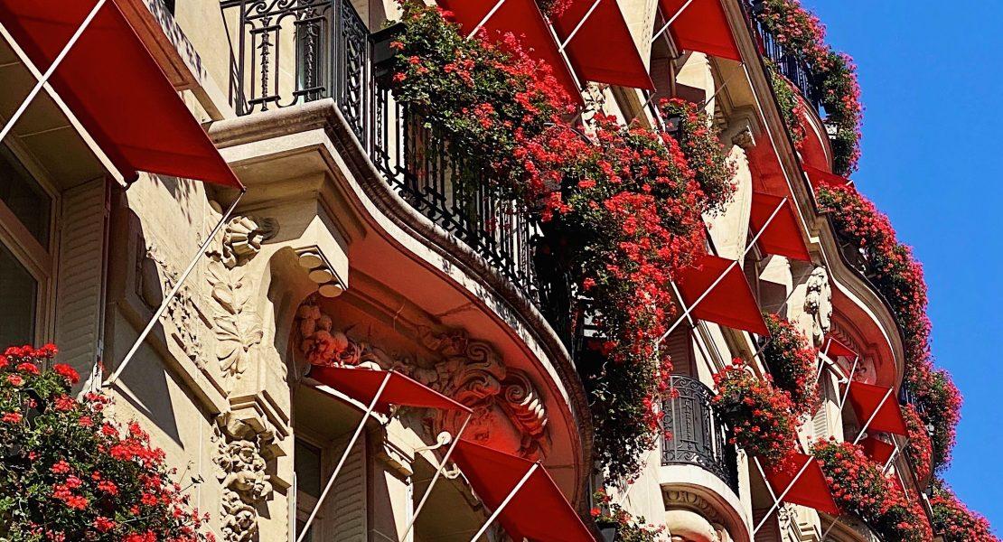Plaza Athenée facade featured
