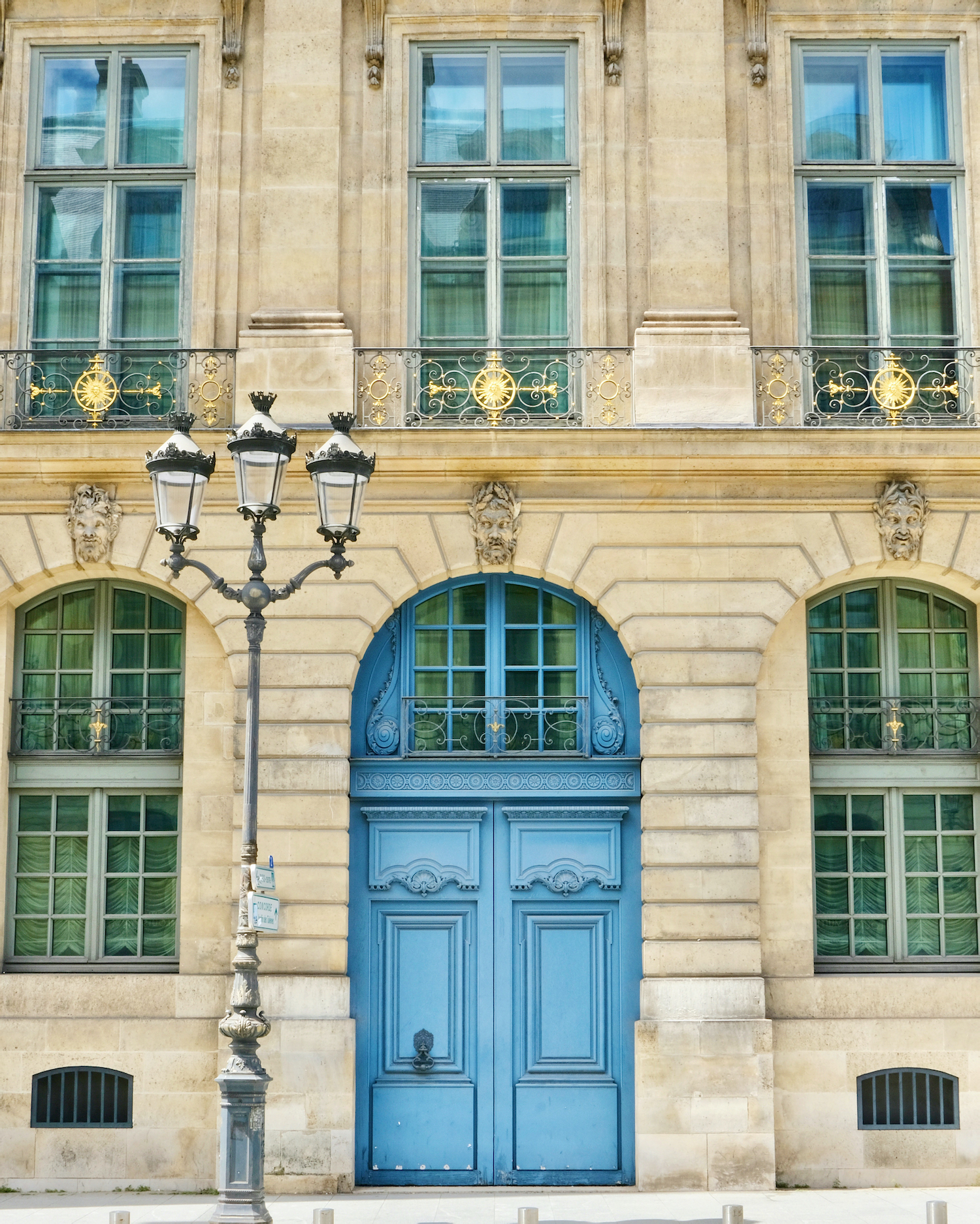Weekend Links Week 13 Place Vendome