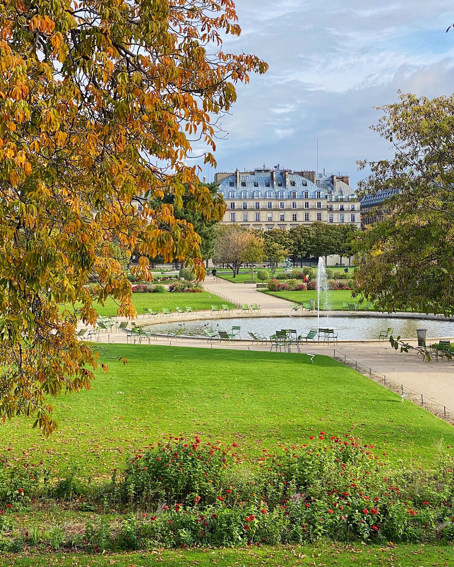 Weekend Links Week 18 Jardin des Tuileries Fall