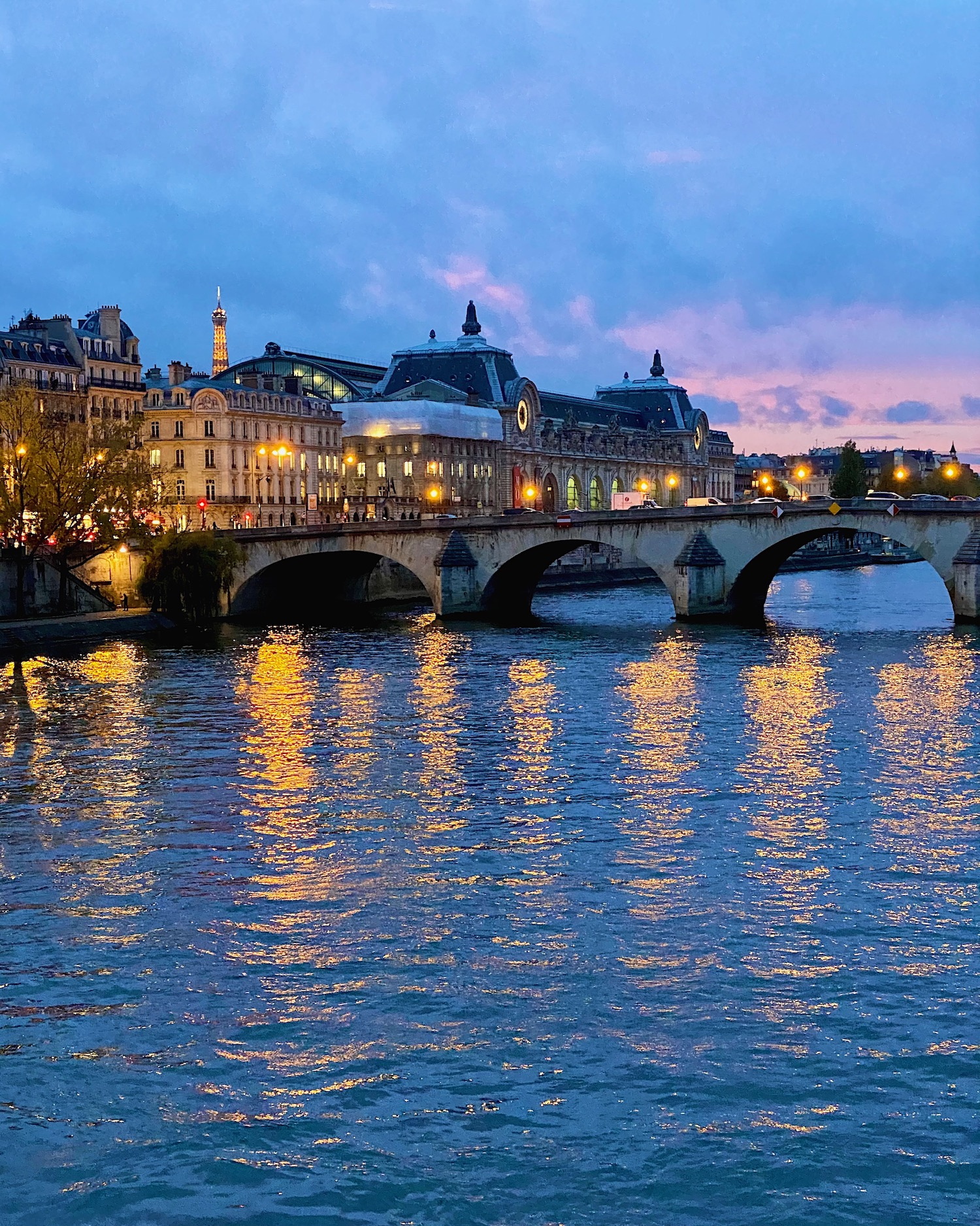 Weekend Links Week 21 Paris Blue Hour