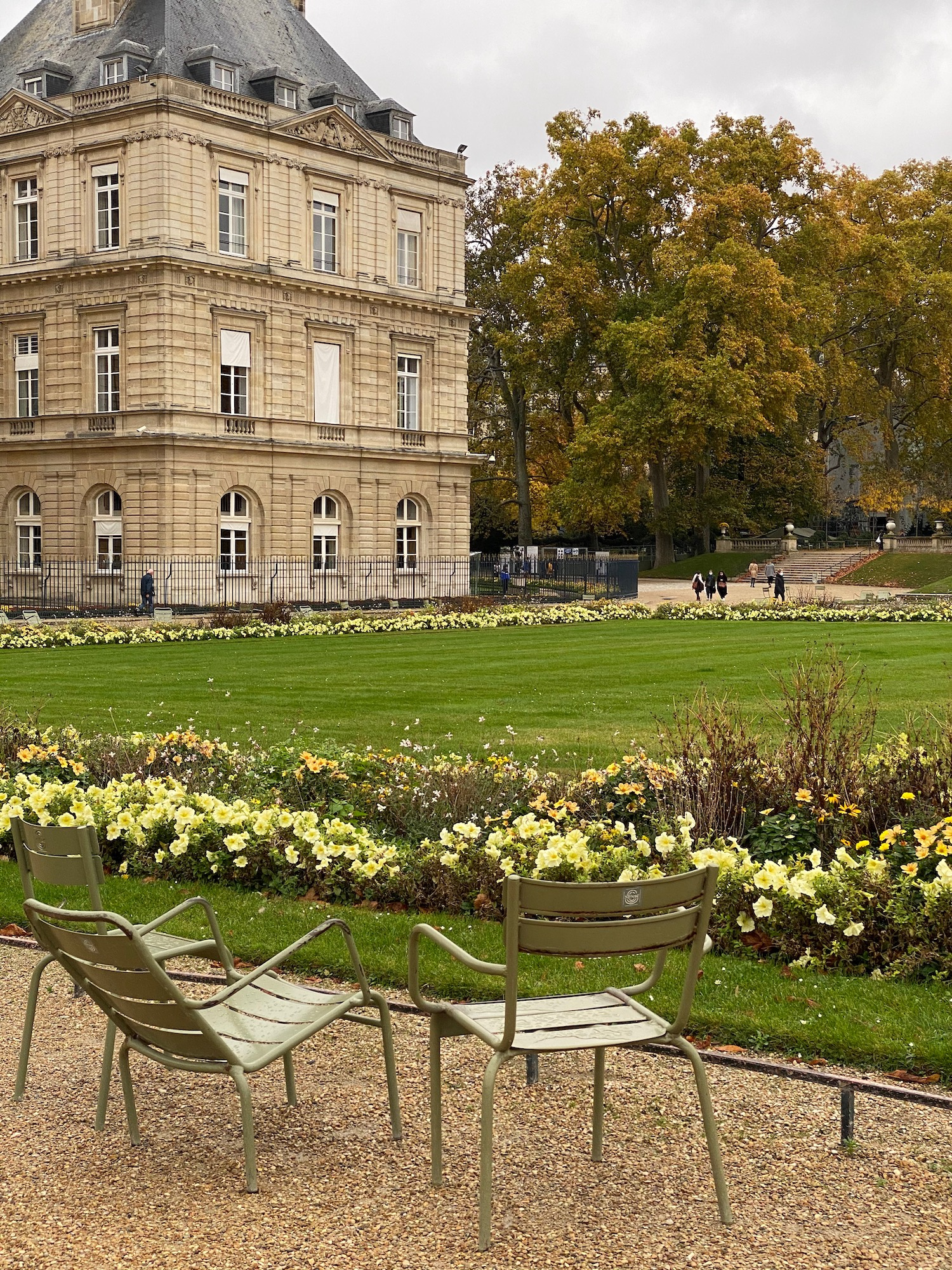 Jardin du Luxembourg green chairs