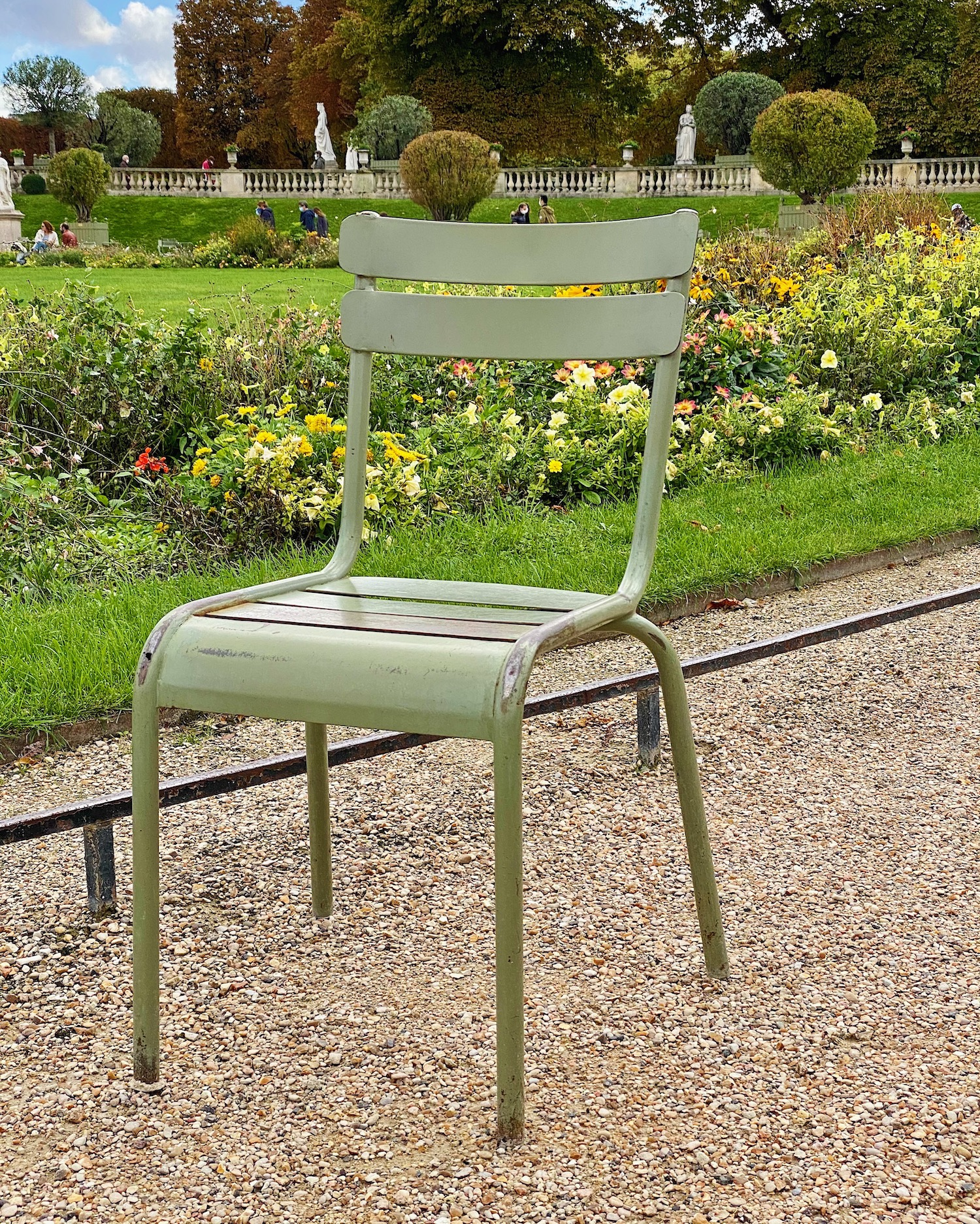 luxembourg green chair