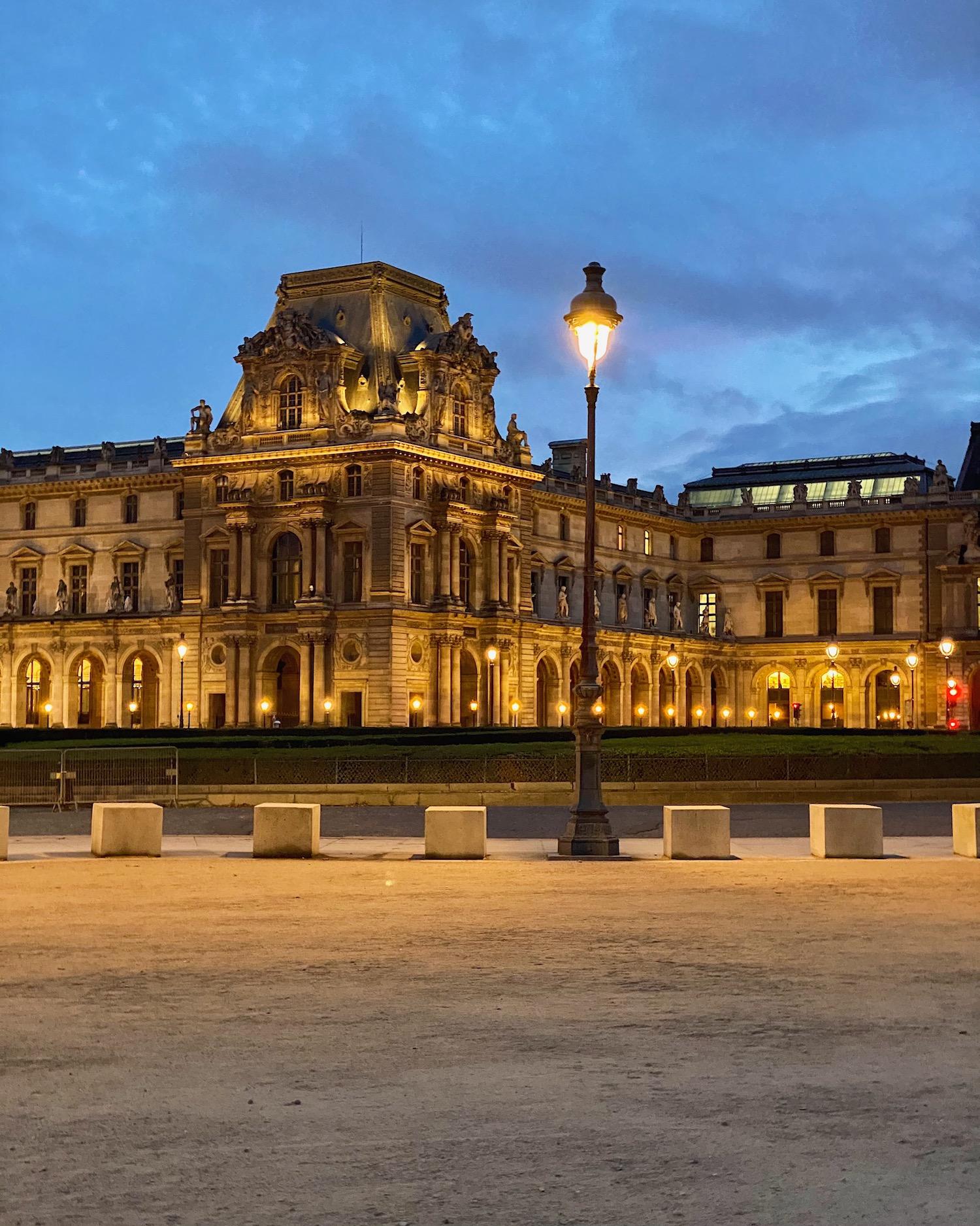 Musée du Louvre Blue Hour