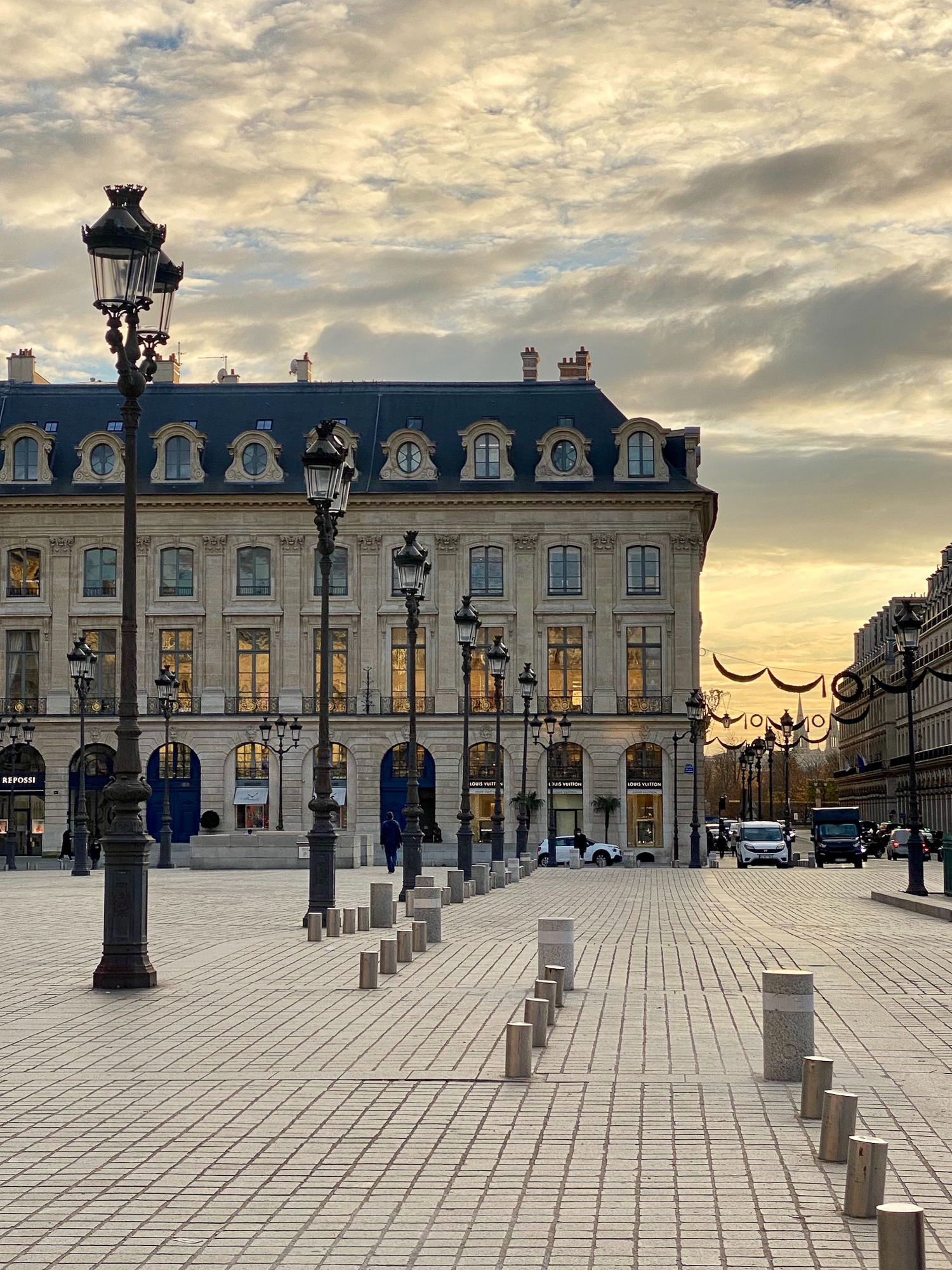 place vendome fall light