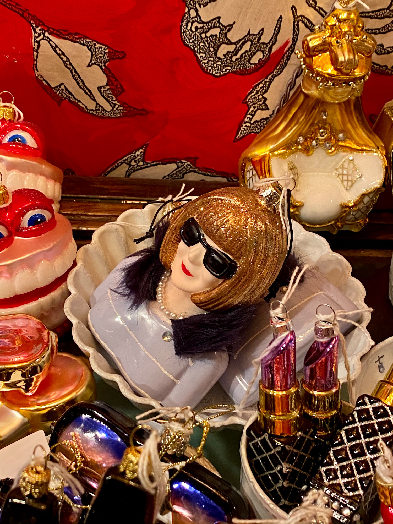 anna wintour christmas ornament