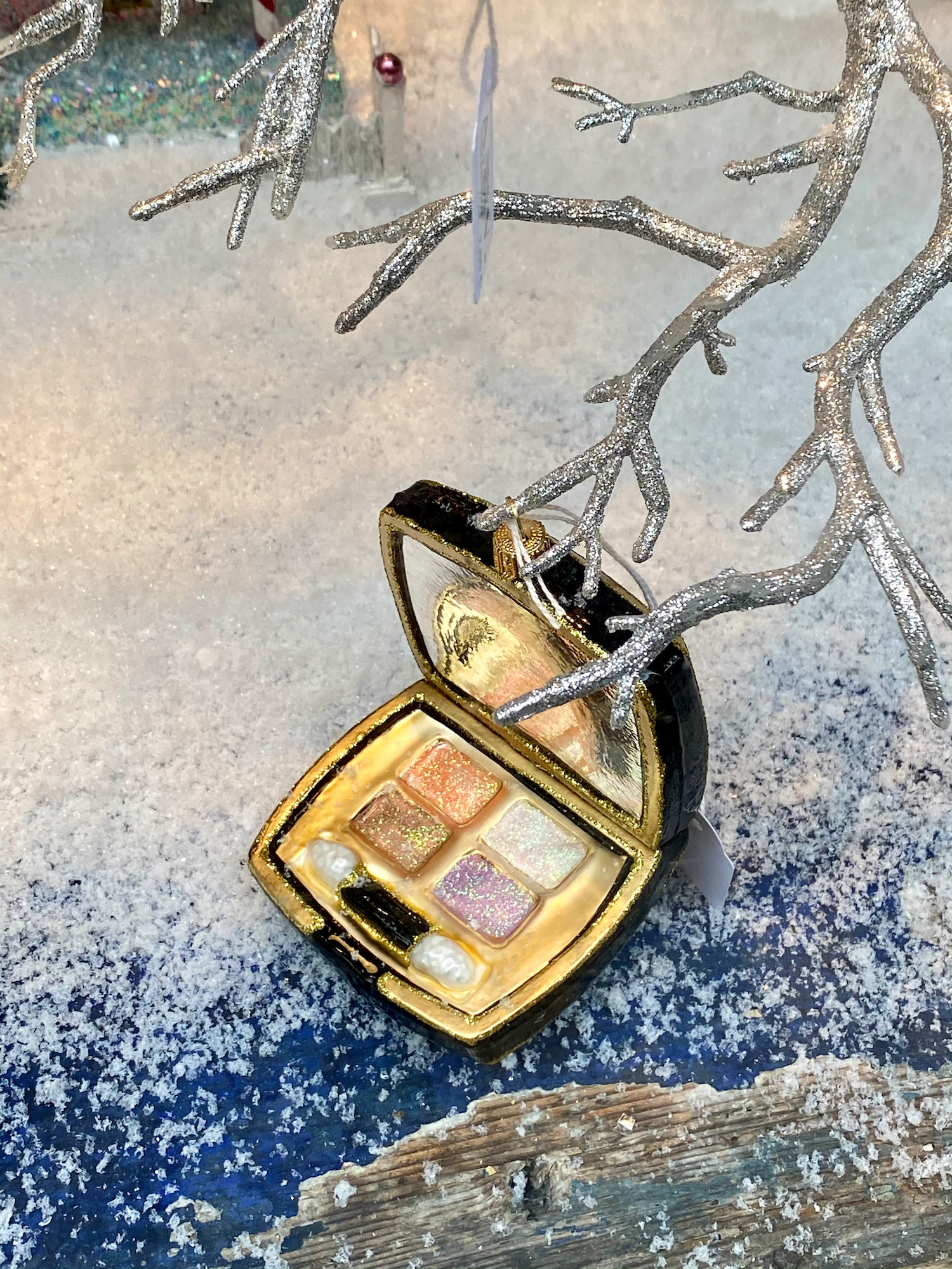 eyeshadow christmas ornament