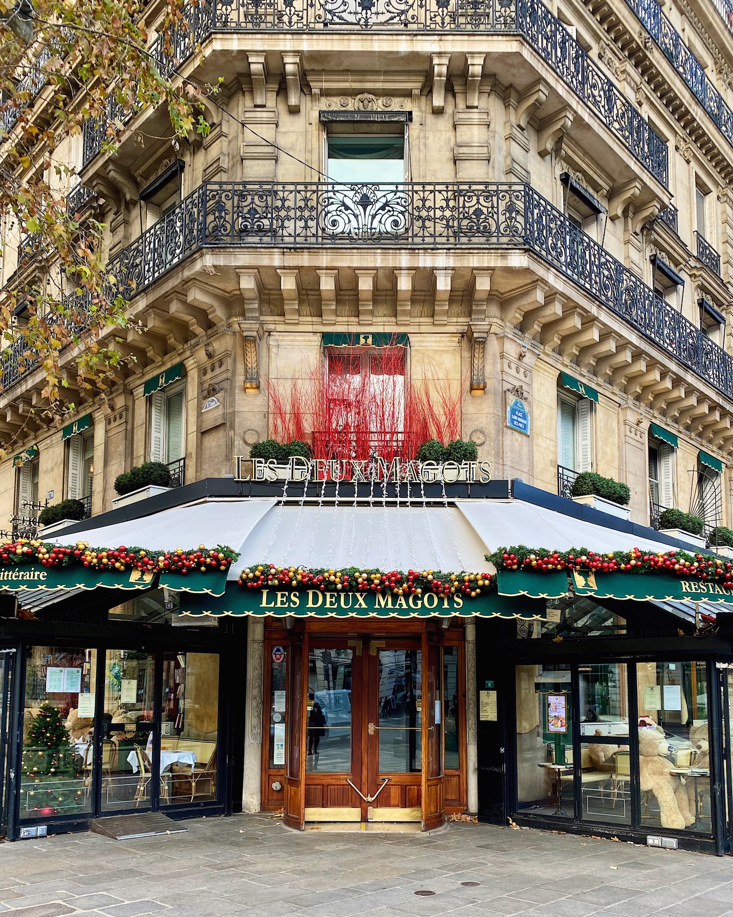 five friday finds from france les deux magots christmas decorations featuring the ralph's coffee truck pop up
