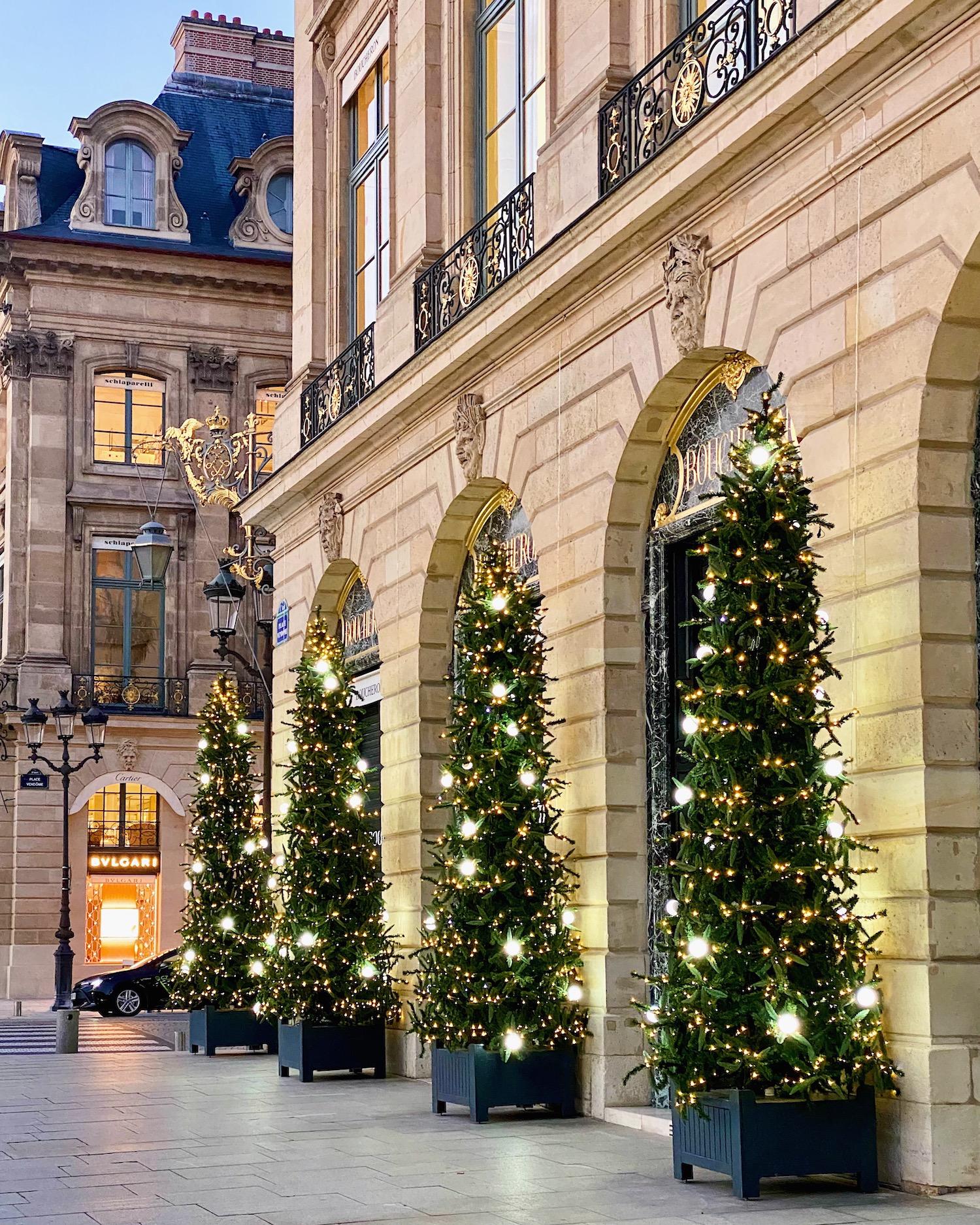 weekend links week 26 place vendôme christmas decorations