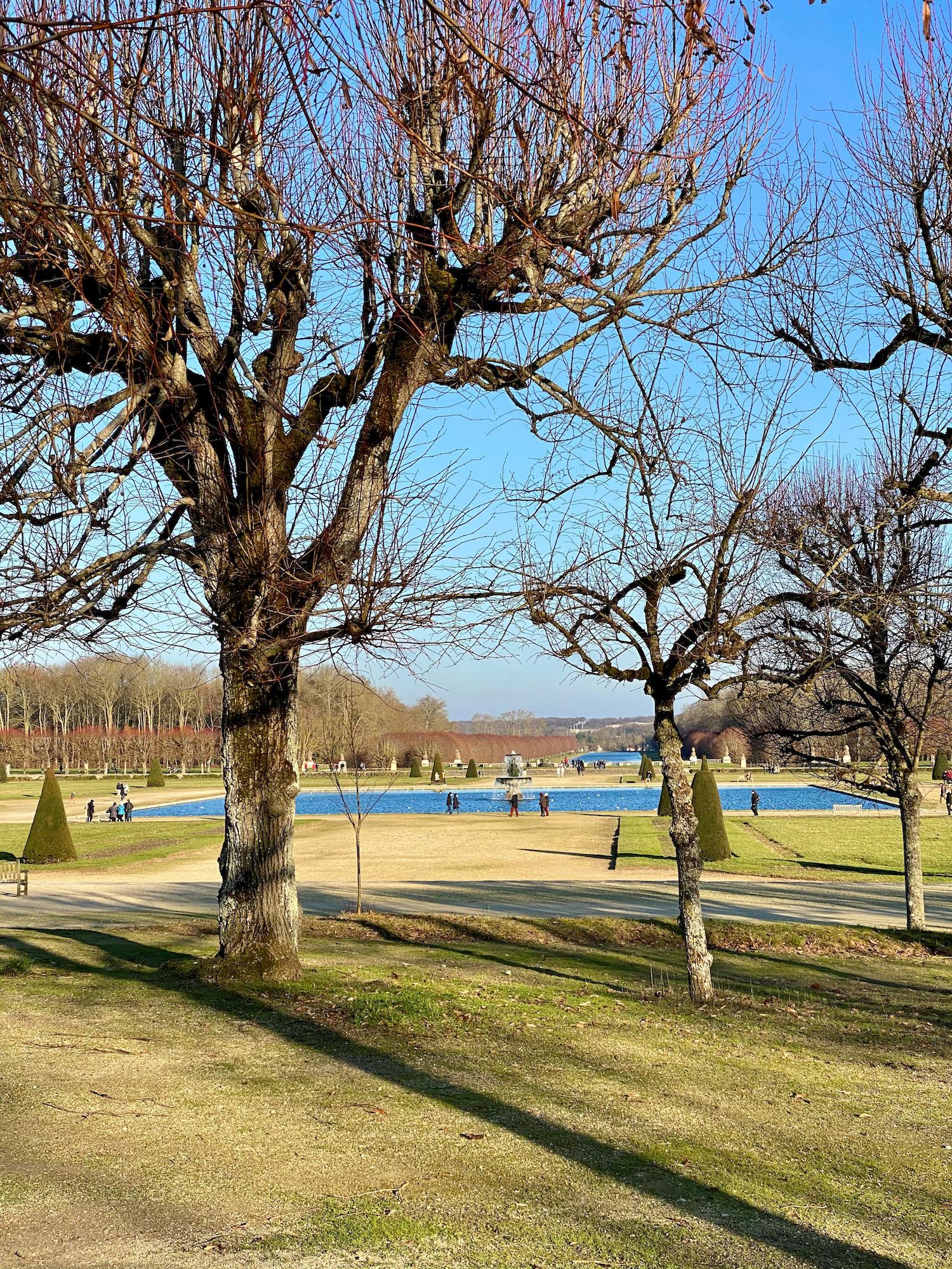 visiting the château de fontainebleau gardens