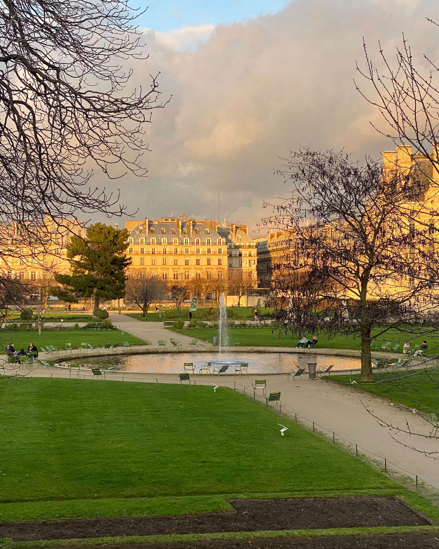 five friday finds from france winter light in the tuileries. featuring jacques pepin's fromage fort, where to buy normandy oysters in paris and parc de bagatelle in winter