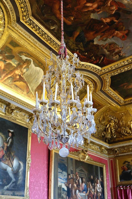 chandelier and ceiling chateau de versailles