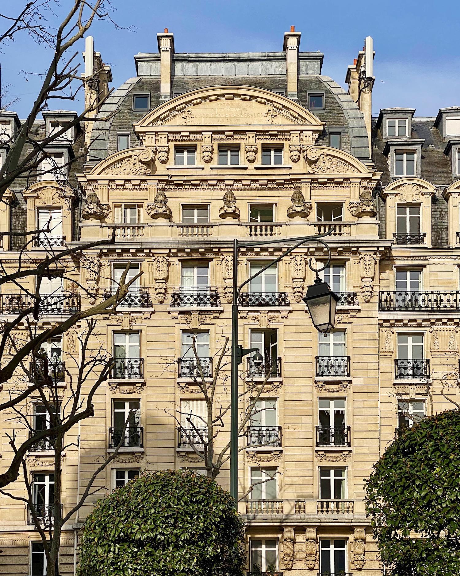 neuilly sur seine building