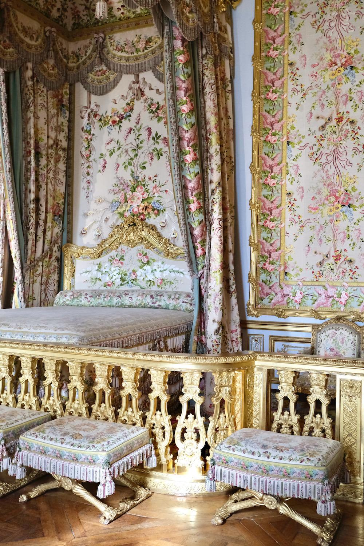 queen's bedroom chateau de versailles