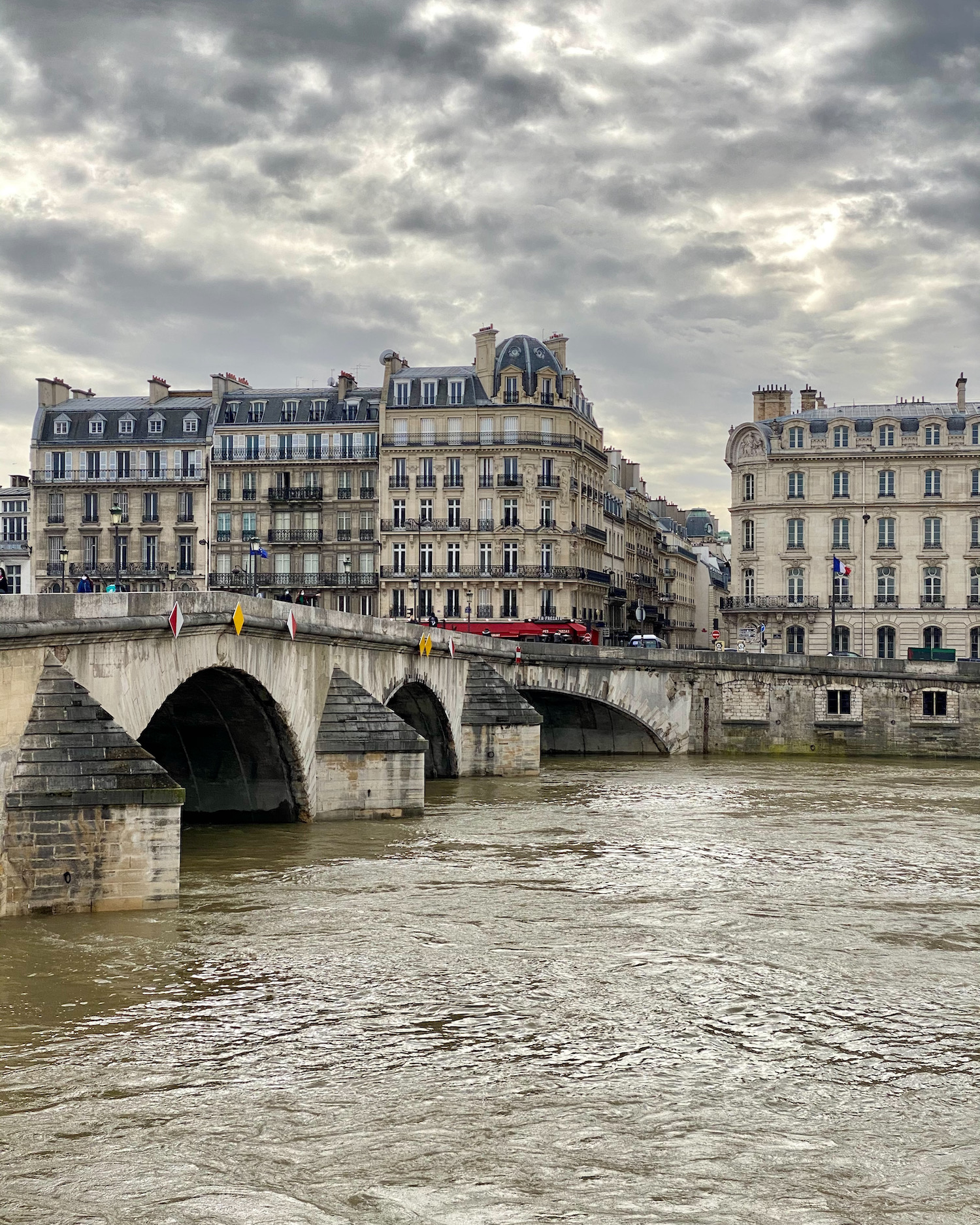the rising seine river from pont royal
