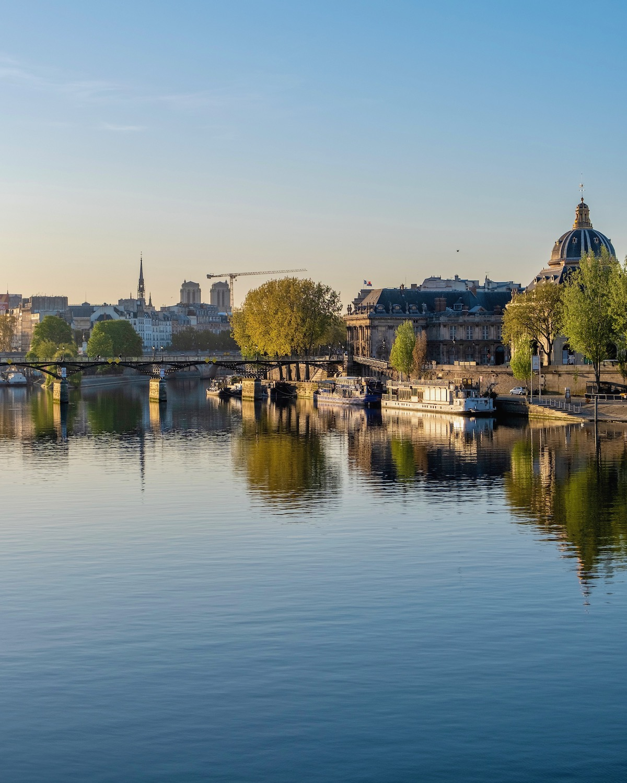 calm paris morning