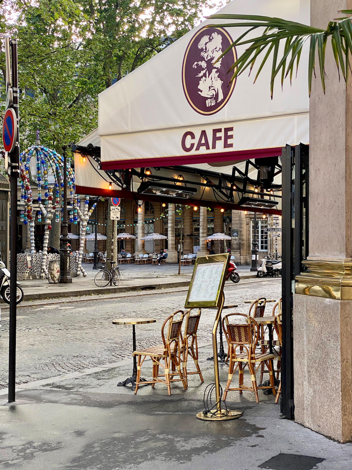 cafes reopening in paris