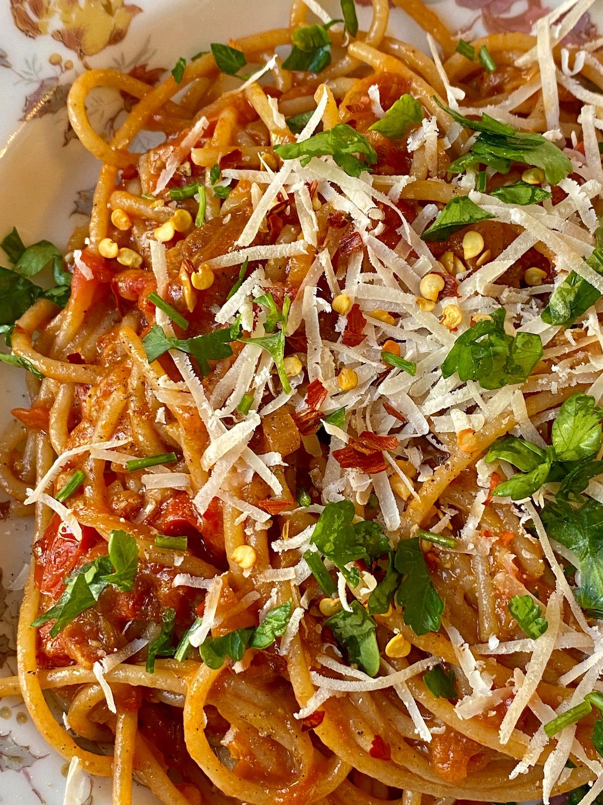 alison roman caramelized shallot pasta recipe