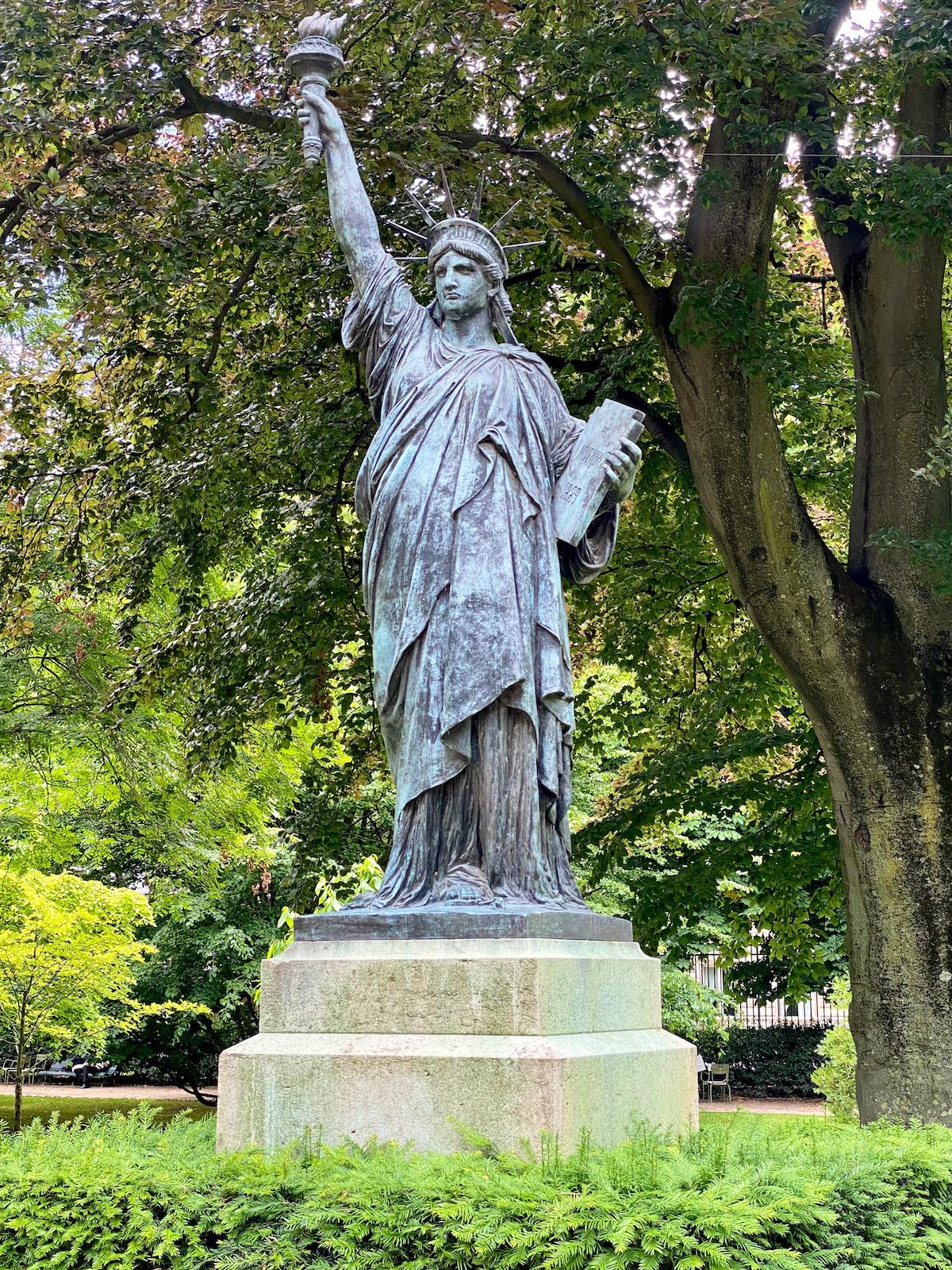 statue of liberty replica paris jardin du luxembourg