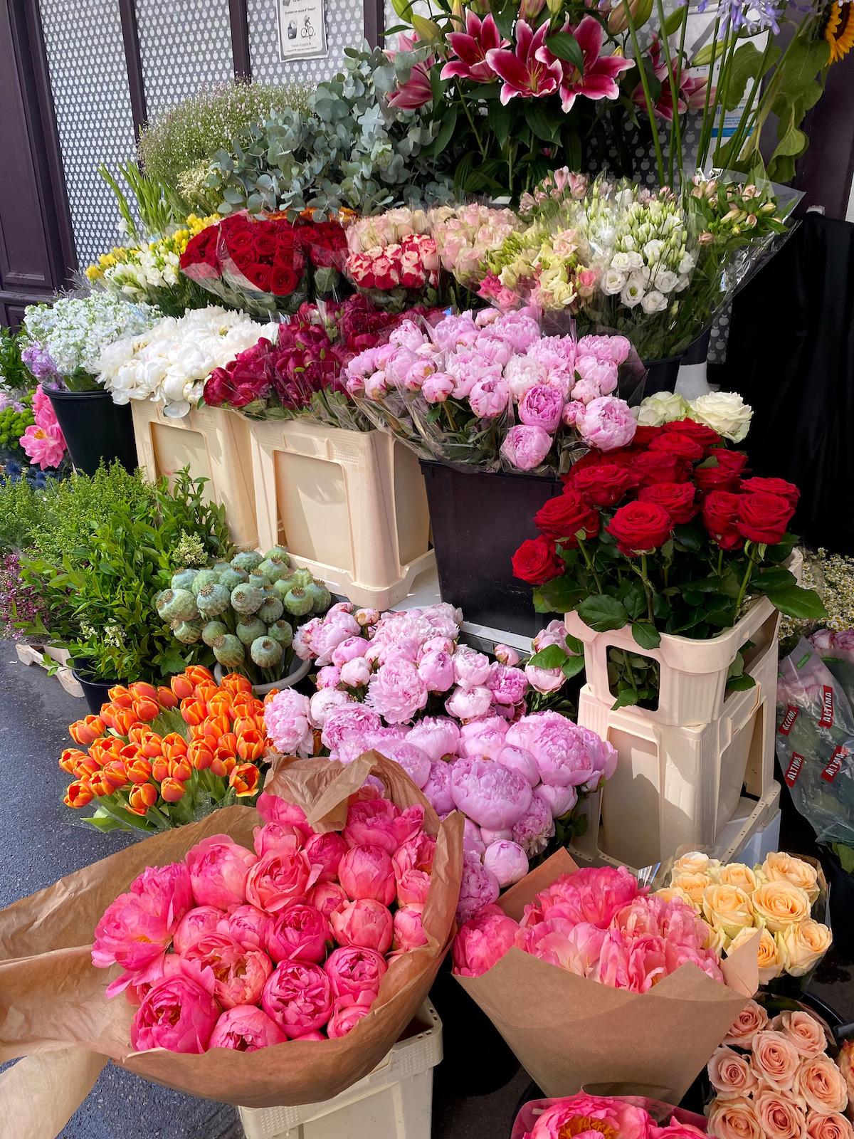 weekend flower man rue du bac