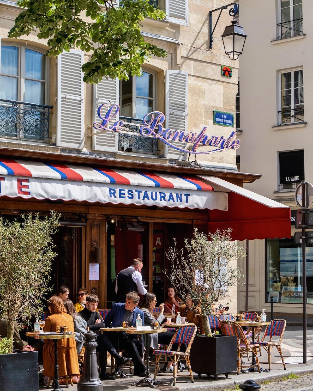 weekend links week 34 le bonaparte cafe in paris