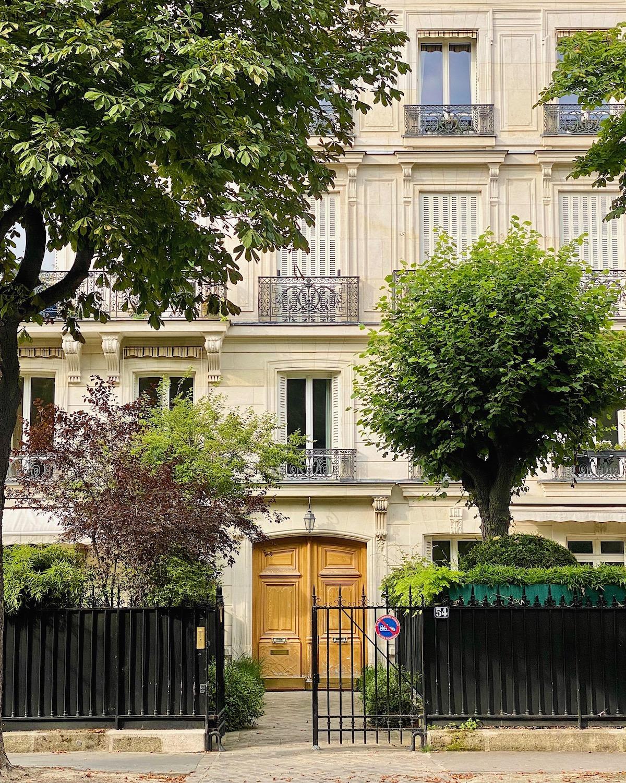 neuilly apartment facade
