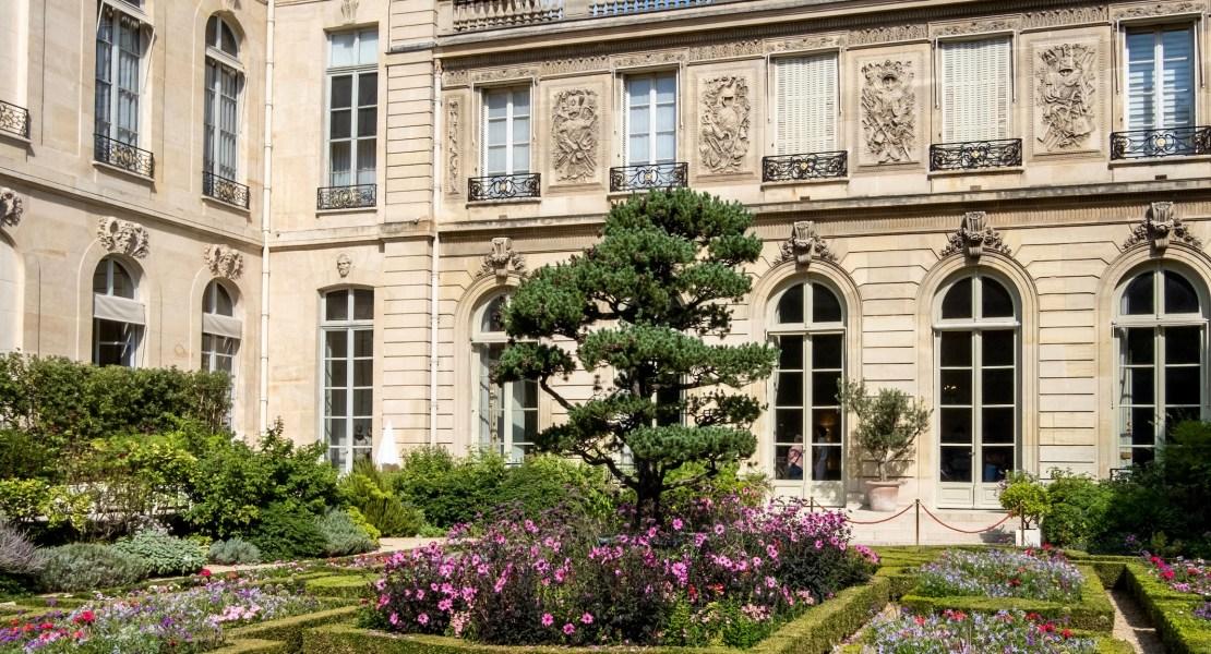 weekend links week 39 elysee palace garden featured