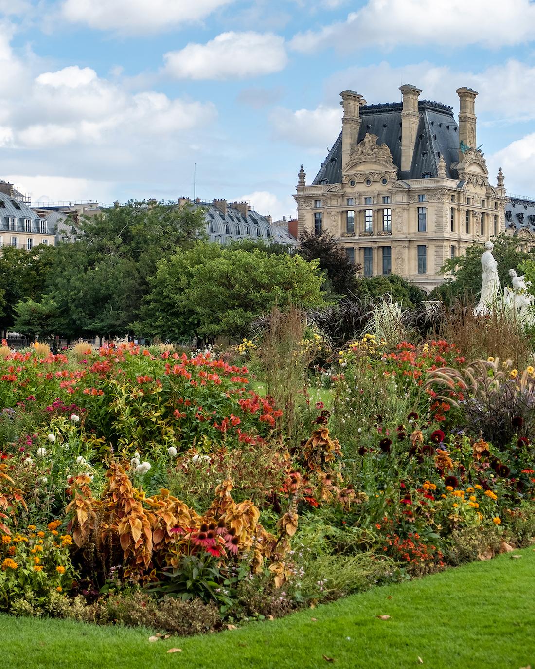 late summer flowers in the tuileries weekend links week 38